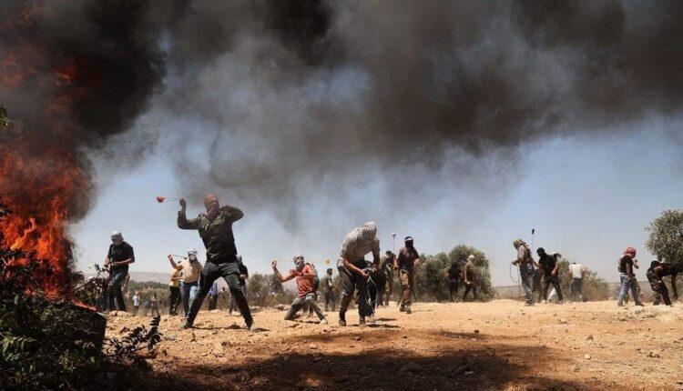 إصابة عشرات الفلسطينيين بمواجهات مع الإحتلال